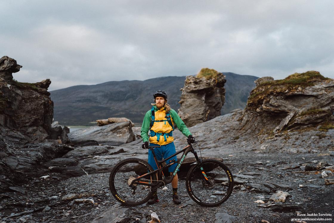 Autenttisia Maastopyöräpolkuja Sekä Pohjoisen Erämaaretkiä – Haastattelussa Sony Alpha Ambassador Jaakko Posti
